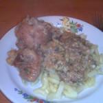 Курица с орехами и зеленью