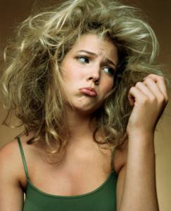 Уход за сухими волосами в жару
